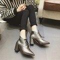2017 Mulheres de Outono Bombas Sapatos de Salto Alto sapatos de Couro Martin Rendas Até botas de Couro do Inverno Calcanhar Quadrado Dedo Apontado Todos Os jogo