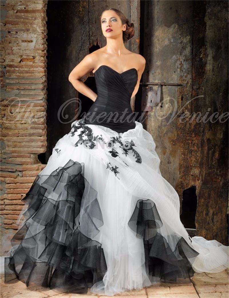 Popular victorian wedding dresses buy cheap victorian wedding - 2017 Black And White Gothic Wedding Dress Sweetheart Lace Appliques Tulle Vestidos De Novia Victorian Corset Wedding Dresses