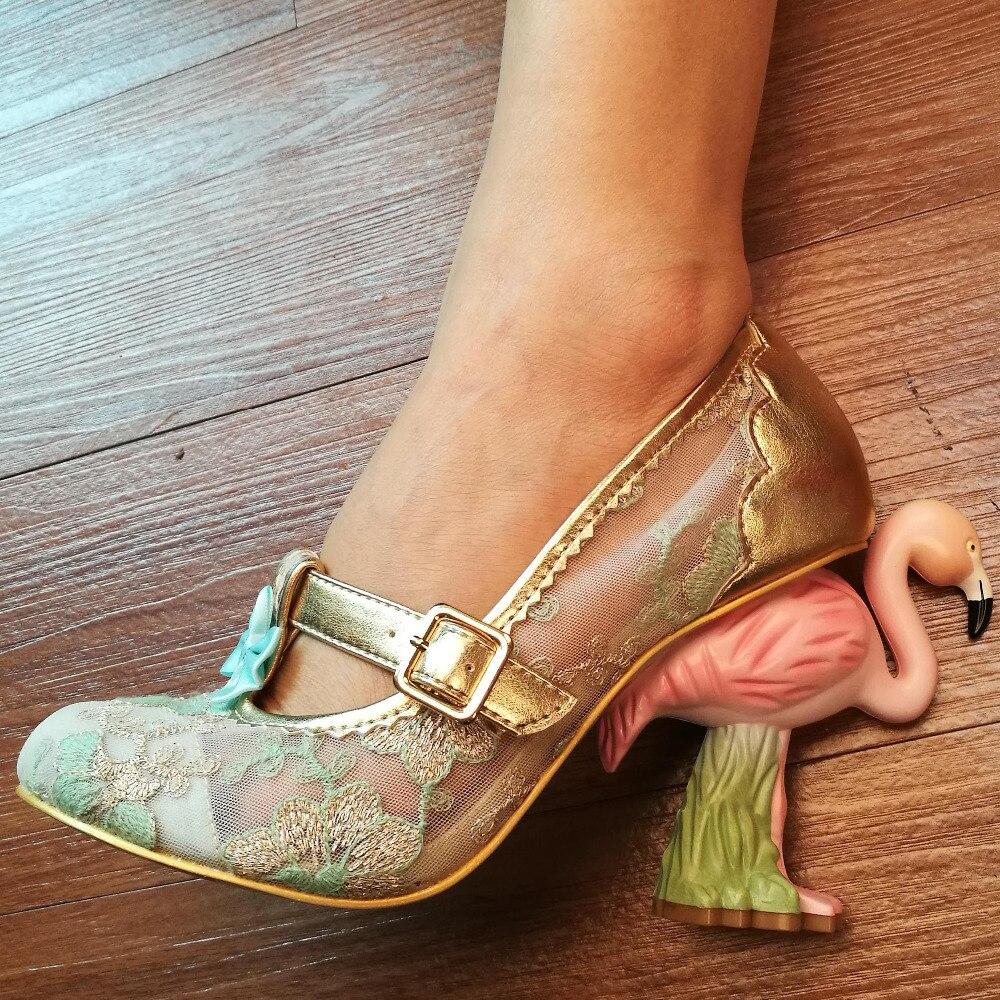2017 Luxury women weeding party shoe Painted flamingo Exquisite embroidery hollow Summer women Designer pumps Strang heels pink