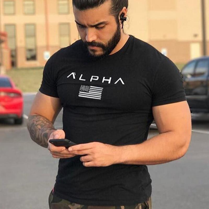 Nyári stílusú férfiak pamut Rövid fekete póló Workout Fitness testépítő férfi Márka tee teteje Divat alkalmi ruházat