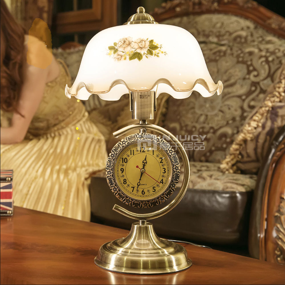 American Vintage Romance E27 Base Led Desk Lamp Bedroom Iron Glass Edison Bulbs Table Light With Clock Cafe Bar Stand Table Lamp