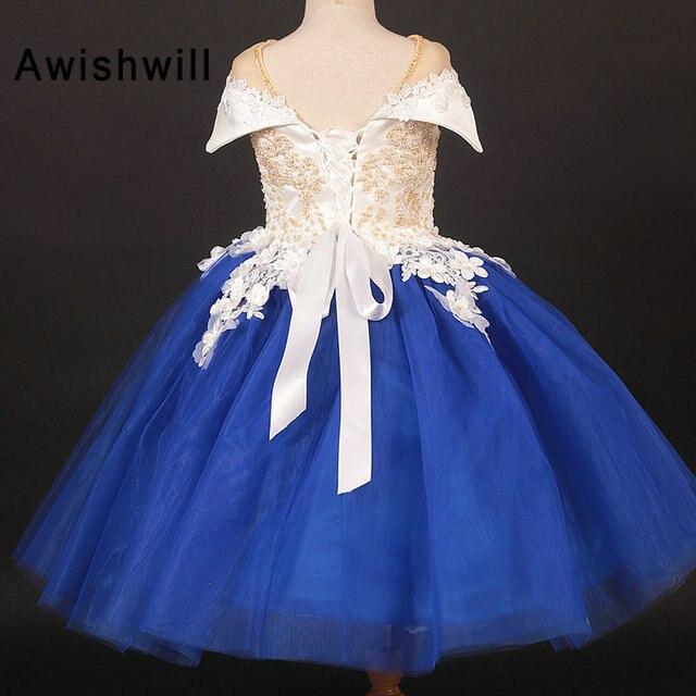 Nouvelles robes de filles de fleur Cap manches perlées dentelle Appliques Tulle Puffy robes de reconstitution historique pour les filles enfants robe de fête danniversaire