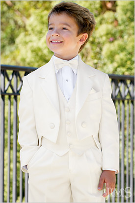 Custom Made Ivory Tailcoat Kids Tuxedos Handsome Primary Scholar Business Suits Boy Prom Suits (Jacket+Pants+Vest+Tie) K:678