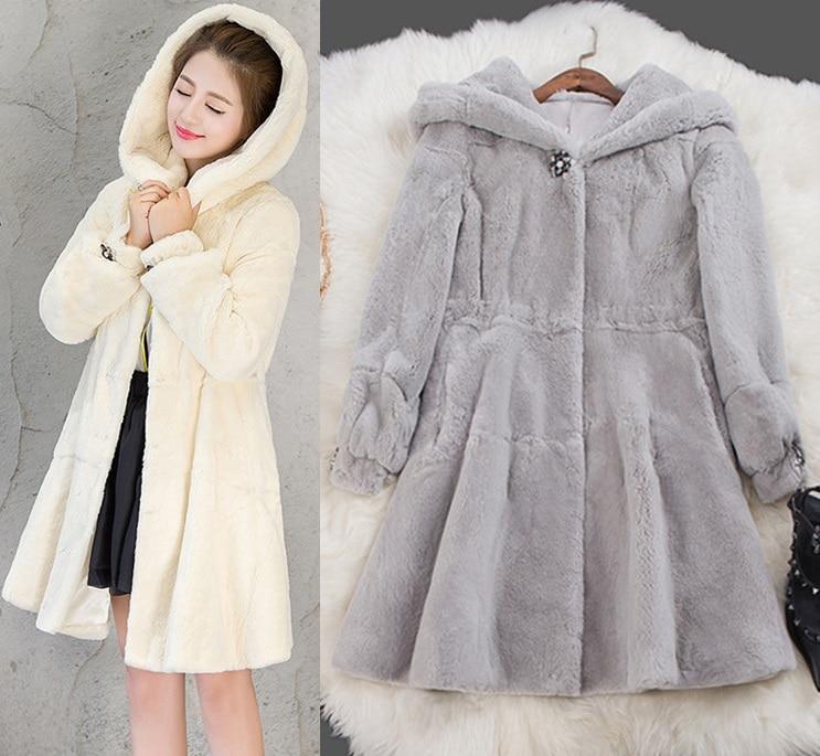 2016 automne et d hiver femmes manteau à manches longues Faux Rex de  fourrure de lapin manteau Femmes imitation fourrure de renard manteau à  capuchon TA001 7999c78fa68