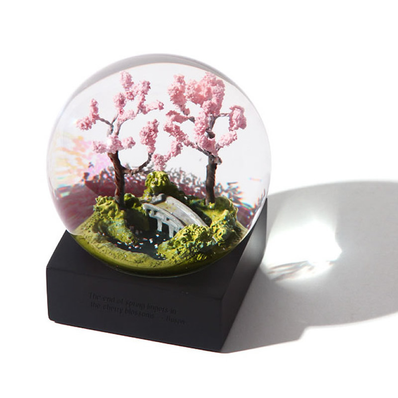 Beautiful Seasons Scenery Crystal Ball Valentine's day Marriage Gifts Desk Ornaments Home Decor