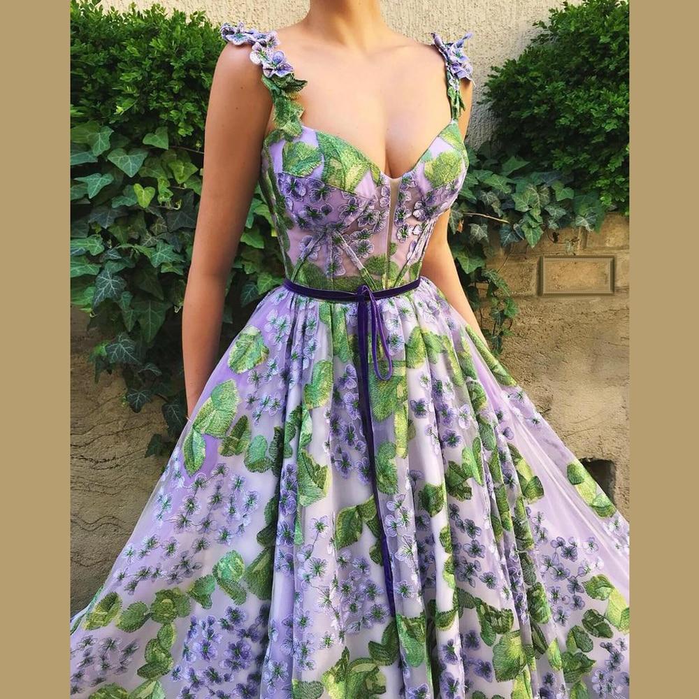 Élégant Design été plage robes de bal a-ligne Spaghetti dos nu Runaway robes de tapis rouge avec fleur Appliques cérémonie