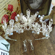 Bride Jewelry Silver Butterfly Crown Crystal Beaded Headdress for bridal wedding Take pictures to commemorate