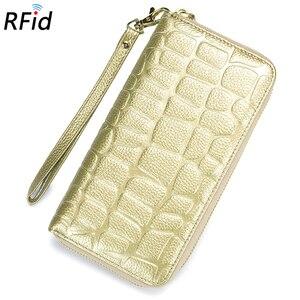 Image 2 - COMFORSKIN Billetera Mujer RFID הגנת עור פרה עור 100% מובטח נשים עור ארנק חם מותג אבן סגנון ארנק 2018