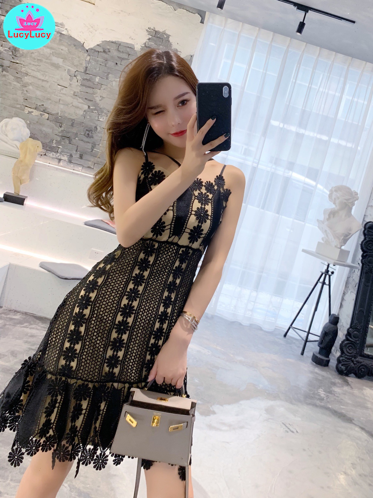 2019 summer Korean version of the new water soluble flower stitching Slim thin cross strap lace dress Zippers  Spaghetti Strap