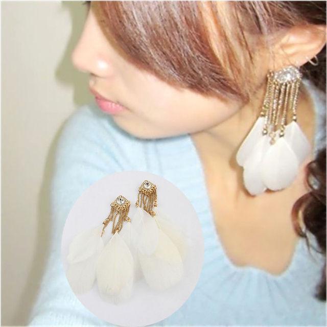 White Feather Drop Earrings Alloy Chain High Quality Women Unique Dangle Earrings Fashion Women Jewelry