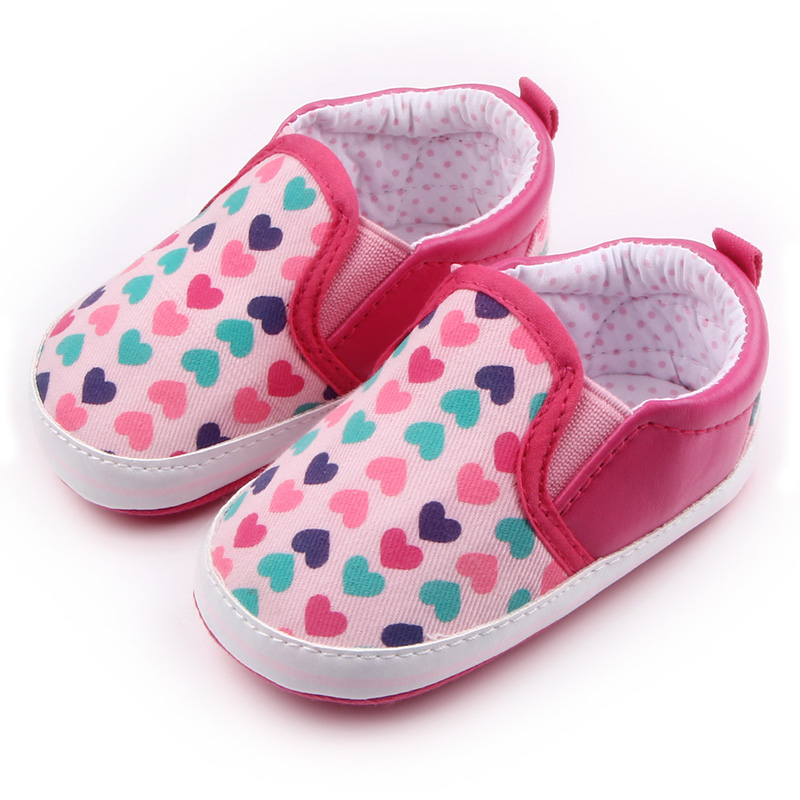 Heart-Shaped Pattren Print Design Slip-On TPR Sole Cotton Baby Girls Causal Shoes For 0-15 Months
