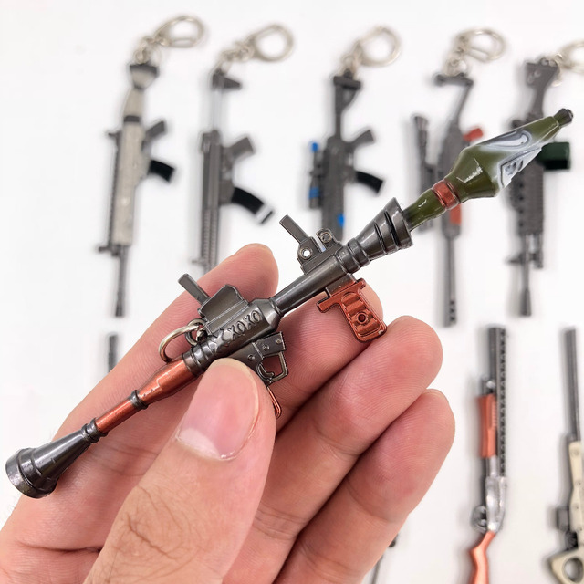 11 Styles fortnight Game tnite fortnited enfant Weapon Metal Gun Model Action Figure Arts Toys Collection Keychain Gift