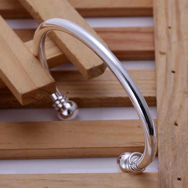 Silver color exquisite luxury gorgeous fashion Bangle cute bracelet  temperament charm Silver jewelry birthday gift B027