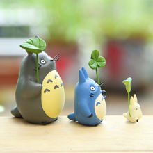 Totoro With Leaf Cute Figure Toy