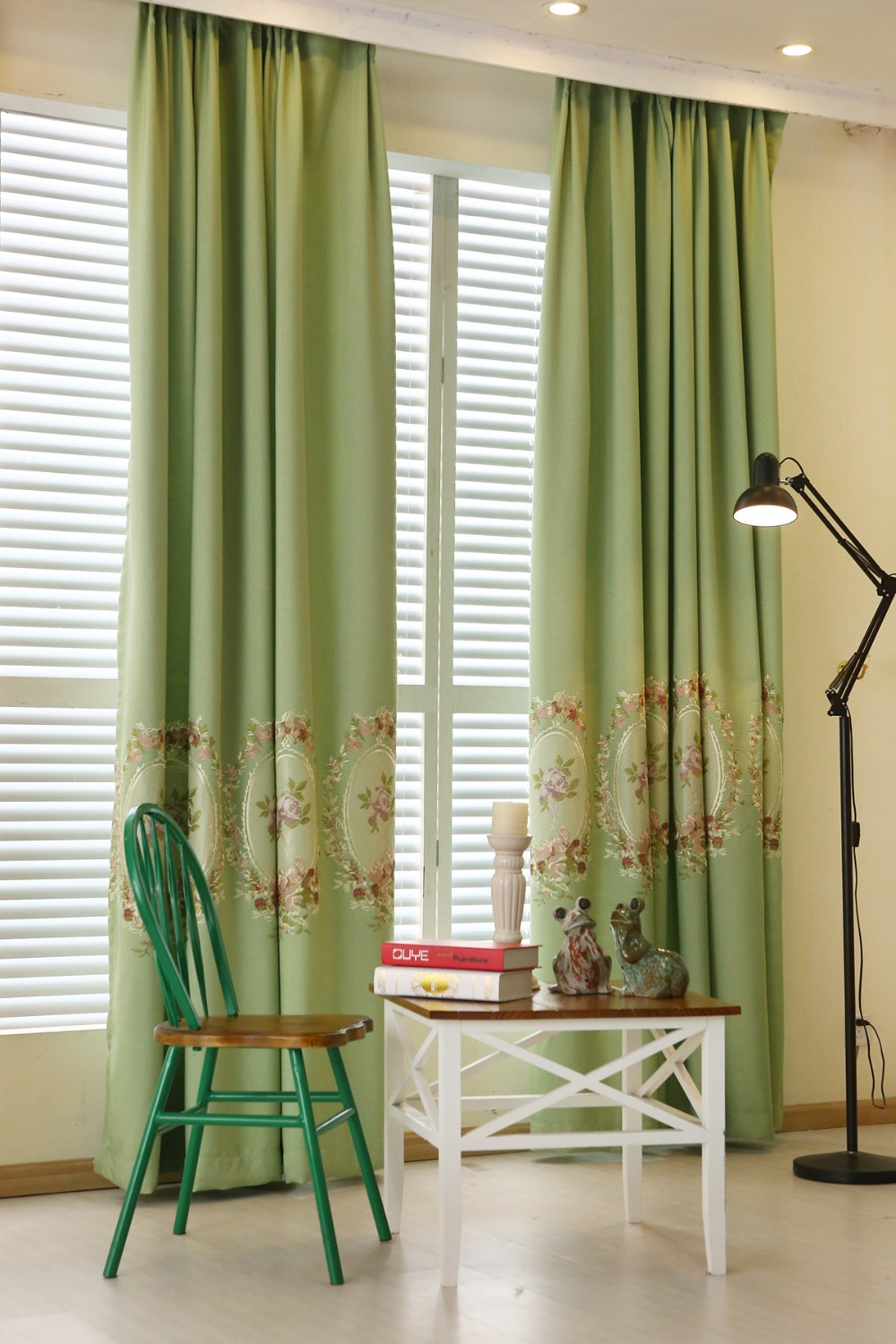Blue and green floral curtains - High Quality Pastoral Floral Embroidered Window Blackout Curtain For Living Room Bedroom Navy Blue Green 2