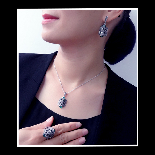 Silver Plated Green Resin And Rhinestone Jewelry Set With Ring Necklace & Earring Rings