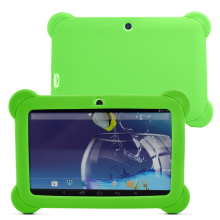 "Yuntab Android4.4 Q88 Tablet PC 7 ""A33 Quad Core 1.5 GHz Tablet PC Con Pantalla Táctil de 1024×600 de Doble Cámara con Funda de Silicona (Verde)"