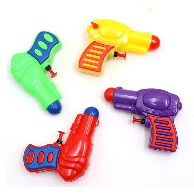 Petite pression pistolet à eau pistolet jouet en plastique Enfant Pistolet Plage Cadeau Pistolet À Eau