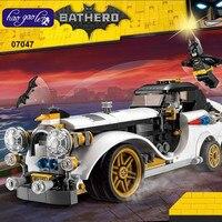 Lepin 07047 305Pcs Genuine Batman Series The Arctic War Penguin Classic Car Set Building Blocks Bricks