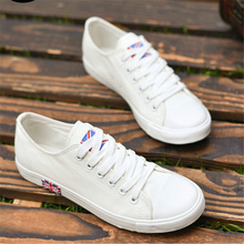 Rubber Sole Students Summer Casual Shoes 2017 Lace Up Couple Shoes Women Breathable White Flag Print
