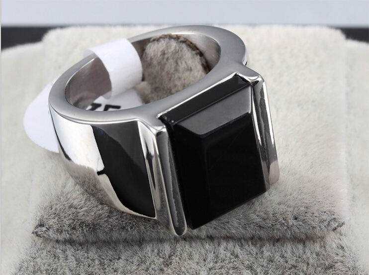 Fashion design square black onyx stone ring for men 18k gold and