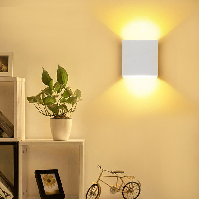 Square Metal Wall Lamp