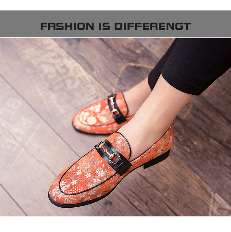 2019 New Brand Formal Shoes Men Leather Shoes Flower Embroidery Slip On Lazy Driving Shoe Office Loafers Mens Canvas Shoes 9