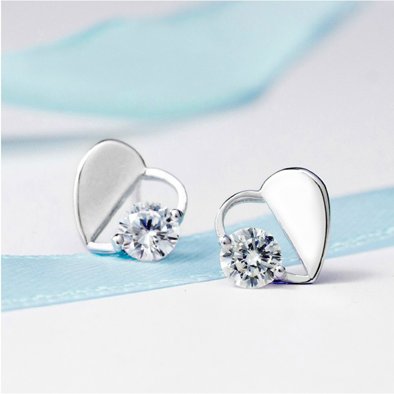 100 925 sterling silver romantic love heart shiny crystal ladies stud earrings jewelry Anti allergy female birthday gift cheap in Stud Earrings from Jewelry Accessories
