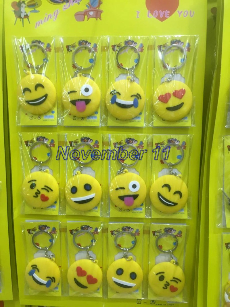 Lot 5sheet/60Pcs Cartoon Smiling face Key Chains Metal Double Side Rubber Key Ring WW585