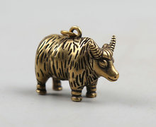 35MM/1.4Collect Curio Rare China Fengshui Small Bronze Animal 12 Zodiac Year Bull Oxen Yak Cattle Ox Moo-cow Pendant Statue 18g