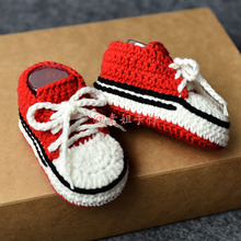 QYFLYXUEHand Made Knitting Wool Crochet Baby Shoes And Socks