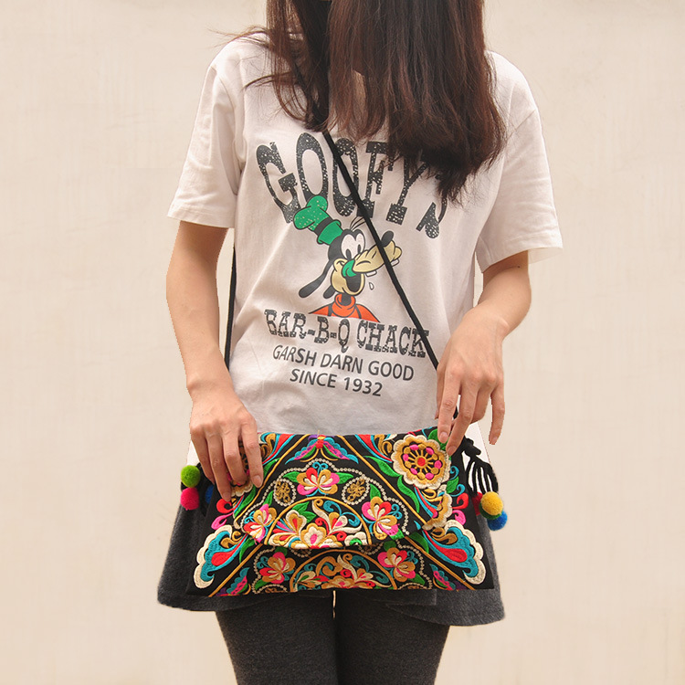 Gentle Meow Ethnic Style Embroidered Portable Small Canvas Handbag Mini Coin Purse ArmyGreen