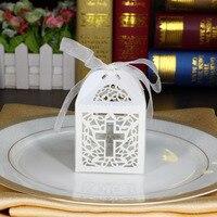50 pcs Branco Jesus Cruz Cristã Sacos Do Favor Do Casamento Caixas Dos Doces Com Fita de Corte A Laser Caixa de Doces Bebê Chuveiro Partido decorações