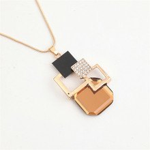 Большой Хрустальный Камень Ожерелье Новая Мода Ожерелья Золотой Hollow Геометрическая Личности Подвески Изящных Ювелирных Изделий для Женщин