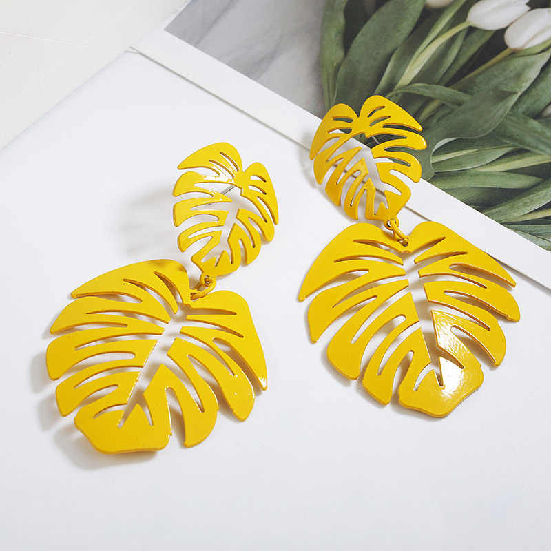 New Bohemian Stud Earrings For Women Personalized Holllow Leaf Design Ear Jewelry Yellow Green Color tropical Earrings