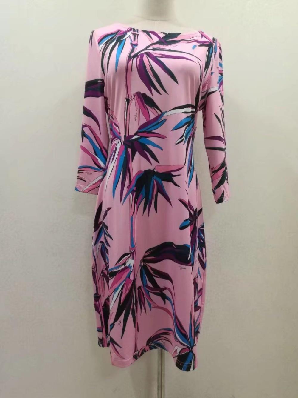 Nowy mody 2017 lato projektant luksusowe kobiety jest Slach szyi geometryczne druku 3/4 z długim rękawem Plus rozmiar XXL Stretch Jersey sukienka jedwabna w Suknie od Odzież damska na  Grupa 3
