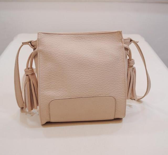 M556 Popular Individual Character Fashion Tassel Water  Bucket Shoulder  Bag Big Size Women Bag Gift Wholesale