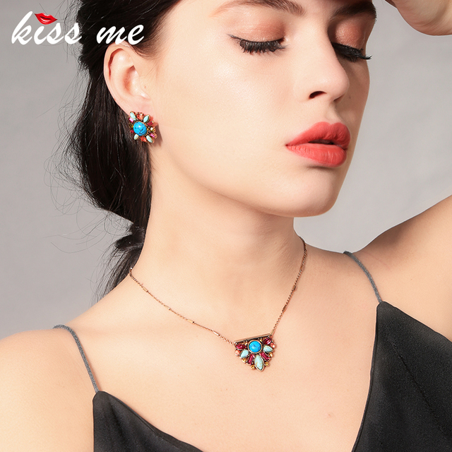 KISS ME Multi Color Crystal Synthetic Stone Triangle Pendant Necklace 2018 Women Clavicle Necklace  Minimalist  Jewelry