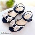 2015 Nueva llegada del verano de los niños zapatos de los niños sandalias de las muchachas sandalias de cuero abiertos tole para niñas blanco rosa azul de la muchacha zapatos