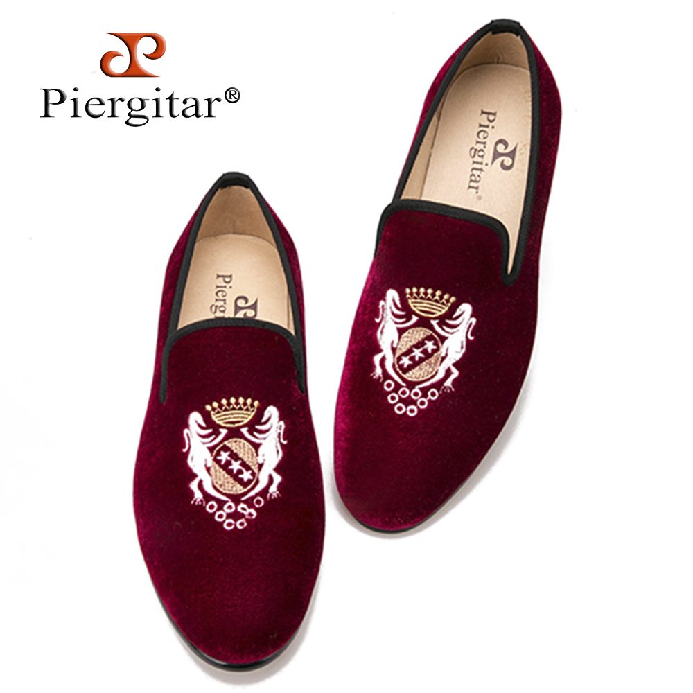 Fashionable embroidery Velvet Men Shoes Men Plus Size Loafers wedding and party shoe Men Flats Size US 4-14 Free shipping luxurious handmade embroidered motif paisley men velvet loafer slippers men wedding and party shoe size 4 14 free shipping