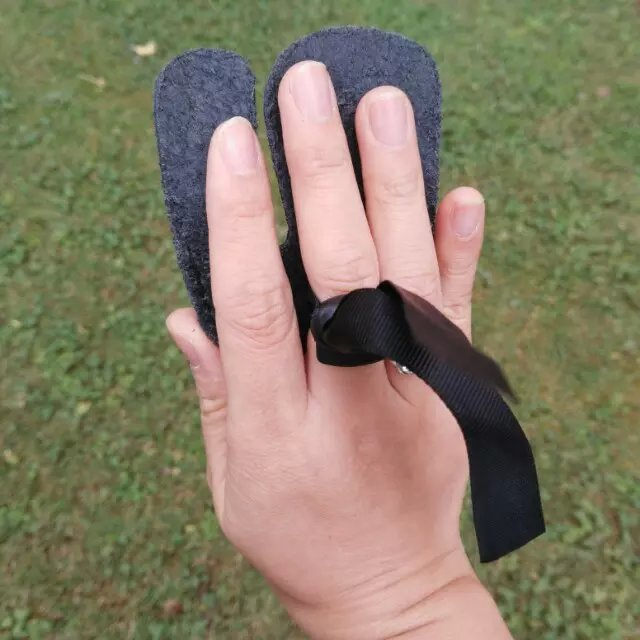 Cheap finger tab