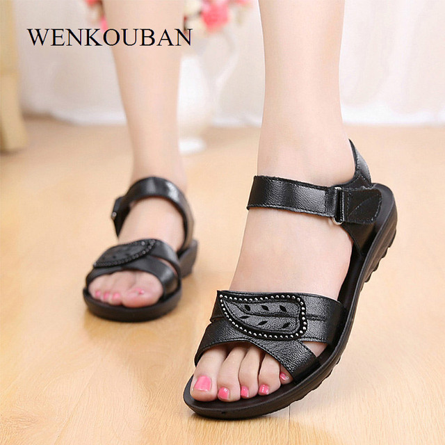 Düz Sandalet Kadın Hakiki Deri Sandalet Anne Yaz plaj ayakkabısı Kanca-döngü Bayan Sandalet rahat ayakkabılar Temel Sandalias