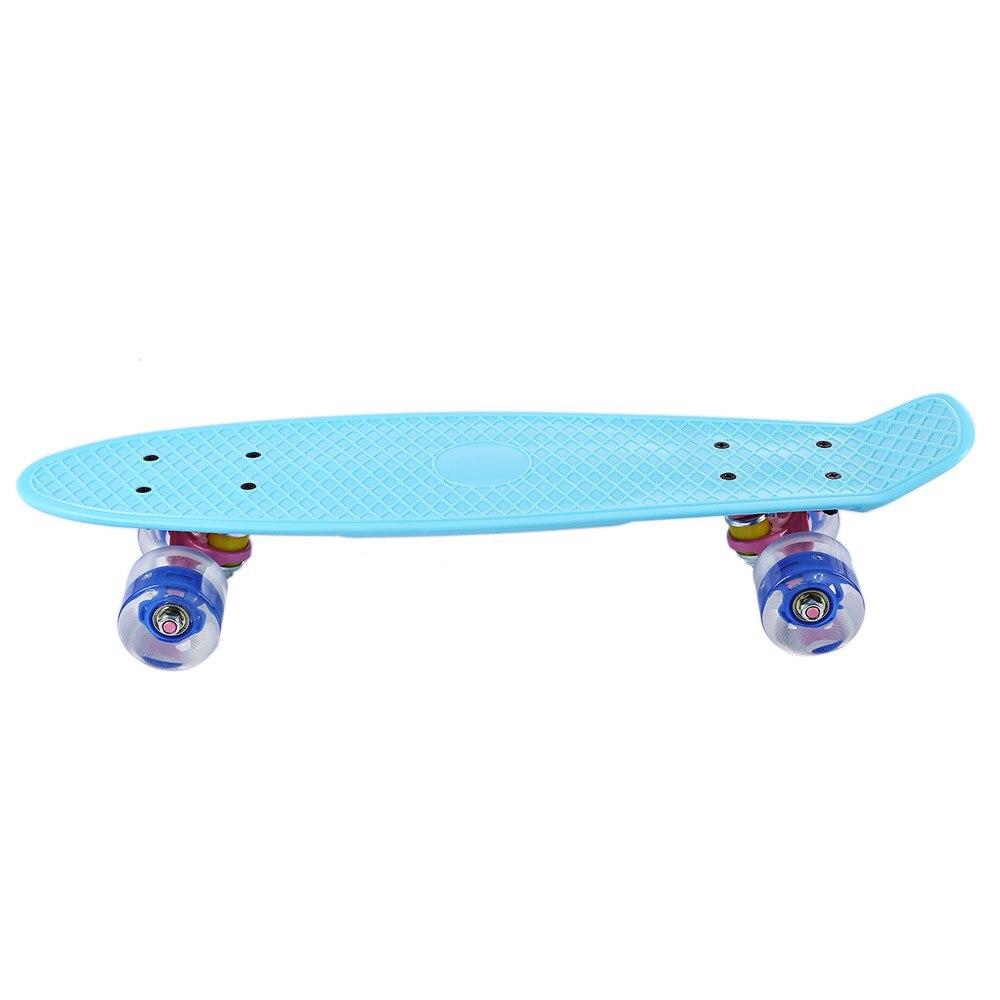 22 Pollici Mini Cruiser Skate Board con LED Lampeggiante Ruote Banana Stile Pesce di Skateboard Tavola Lunga Colori Pastello 5 Colori - 3