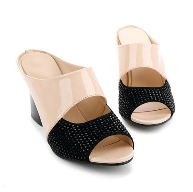 2017 Nova marca sandálias & chinelos genuína strass couro grosso-salto alto decoração do bloco da cor do dedo do pé aberto sandálias das mulheres