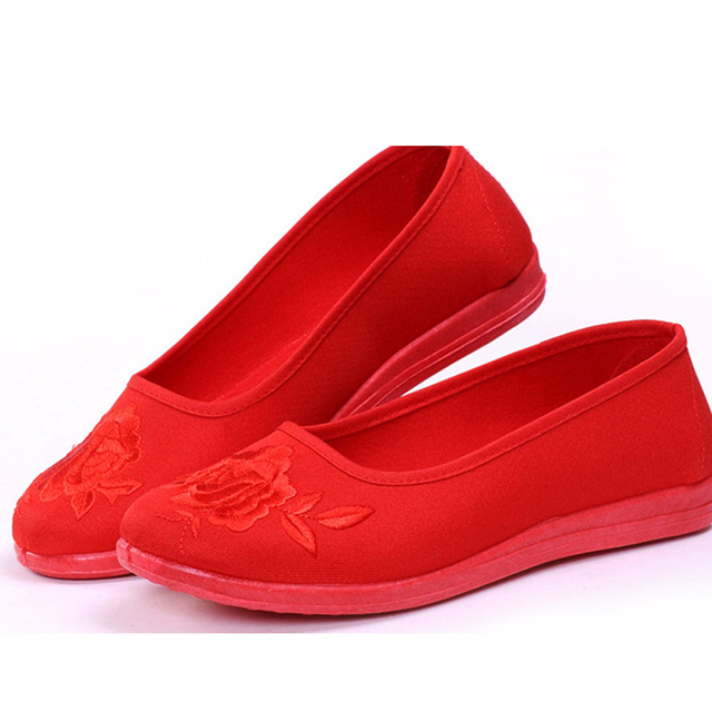 adcbba49f 2018 Women Flower red Flats Slip On Cotton Fabric Casual Shoes embroidered  Comfortable Round Toe Flat Shoes Plus Size