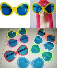 Sunglasses Giant  sunglasses giant online ping the world largest sunglasses