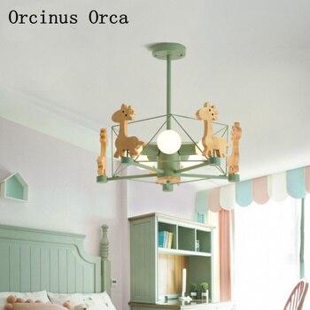Bắc Âu hiện đại đơn giản hươu cao cổ đèn chùm dành phòng ngủ phòng trẻ em đèn cá tính sáng tạo màu ĐÈN LED ốp trần