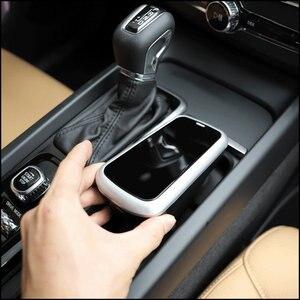 Image 5 - Araba kablosuz şarj cihazı volvo XC90 YENI XC60 S90 V90 C60 V60 2018 2019 Özel cep telefonu şarj plakası araba aksesuarları