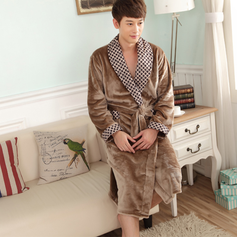Autumn And Winter Coral Fleece Men Bathrobe Thick Long Flannel Robe Male Long  Leeve  Plus Size Sleepwear Long Sleeve