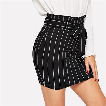 Falda mini cintura paperbag negro blanco rayas verano 2